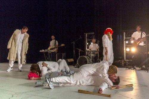"""""""Riot Dancer"""" ist das letzte Stück der Aktionstheater-Ensemble-Tetralogie. Foto: VN/Paulitsch"""