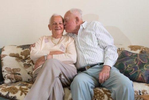 Seit einem Jahr wohnen Lydia und Josef Kastler gemeinsam im Seniorenheim. Das Ehepaar hat den Schritt nicht bereut. Foto. VN/Stiplovsek