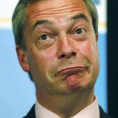 Nigel Farage bleibt nun doch Chef der UKIP