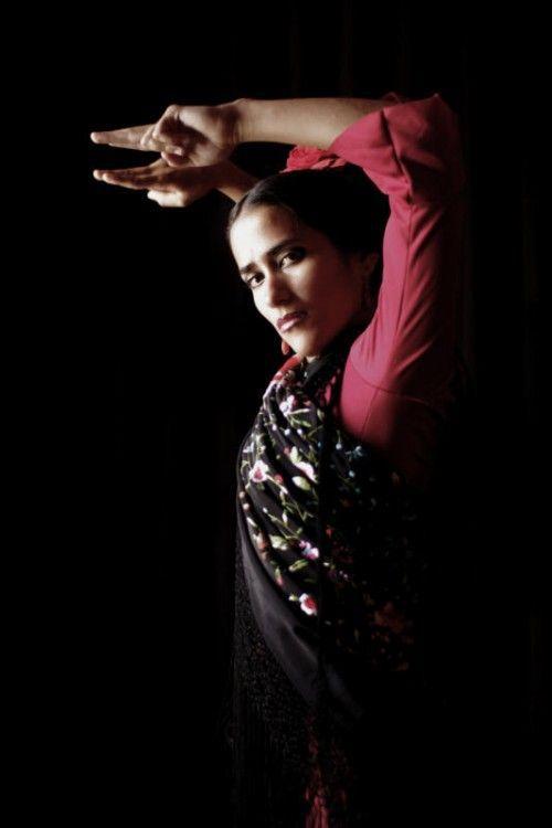 Zu einer innovativen Zusammenarbeit lädt das Duo Tevana die international renommierte Flamenco-Tänzerin Karen Lugo aus  Mexiko ein. foto: spielboden