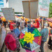 Umbrella March zum Welttag der Flüchtlinge