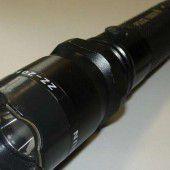 Verbotenen Elektroschocker als Taschenlampe getarnt
