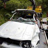 Schwerer Unfall mit zwei Verletzten am Arlberg