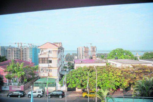 Die meisten Häuser, die nicht gerade ein Ministerium oder ähnliches beherbergen, sind in Maputo dem Zerfall nahe.