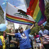 Tausende jubeln bei Gay Pride über Eherecht