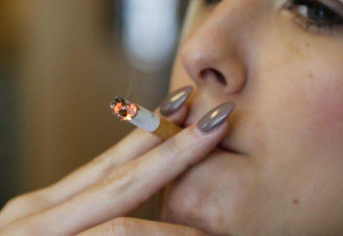 Rauchen ist ein echter Killer und schadet Frauen offenbar in ganz besonderem Maße.