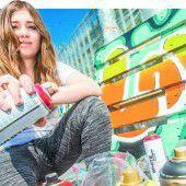 Schüler überzeugen mit bunten Graffiti-Kunstwerken