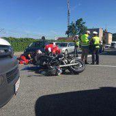 Mit Pkw Motorrad seitlich gerammt
