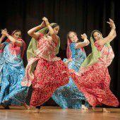 Hilfe für Nepal: Sari meets Dirndl