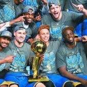 Erster Titel seit 40 Jahren, goldener Tag für Warriors