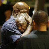 Trauer und Wut nach Amoklauf in US-Kirche