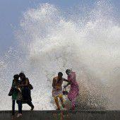 Hoher Wellengang als Monsun-Auftakt