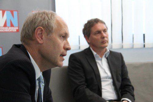 Investor Hendrik Leber (l.) und Christoph Wirnsperger (W&L Asset Management) im Gespräch mit den VN. Foto: Vol/Rauch