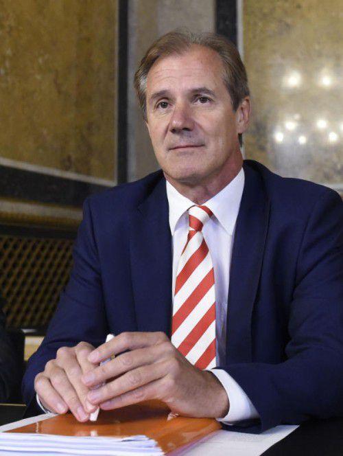 Josef Martinz am Dienstag vor dem Hypo-U-Ausschuss.  FOTO: APA