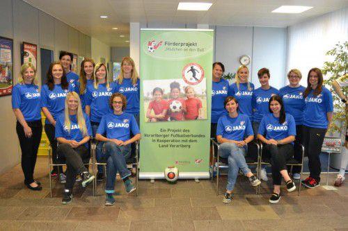 Kümmern sich um den Frauen-Fußballnachwuchs: 18 Vorarlberger Trainerinnen mit großer Erfahrung. Foto: VFV