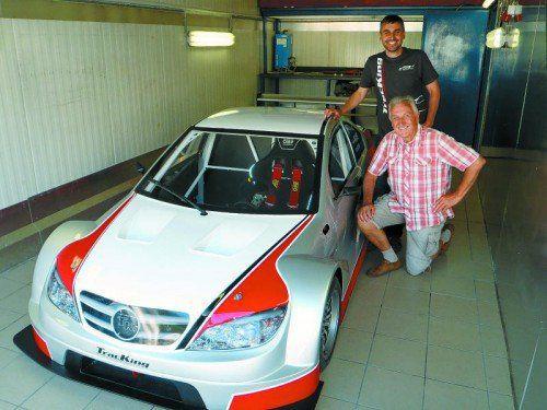 Nach 18 Jahren wollen Werner (vorne) und Andreas Kuster wieder zurück auf die Siegerlisten bei internationalen Bergrennen. Foto: GAsser