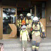 Feuerwehr war zu Gast an der VS Watzenegg