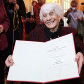 Späte Gerechtigkeit für 102-jährige Doktorandin