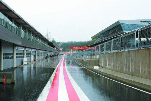 Verregneter Testtag mit wenigen Runden in Spielberg. Die Bestzeit ging an Mercedes-Pilot Pascal Wehrlein. Noger