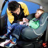 Vorsicht beim Einbau von Kindersitzen im Auto