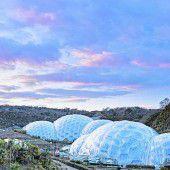 Gigantische Glashäuser beim Eden-Project