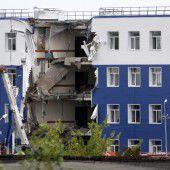 Kaserneneinsturz tötet in Omsk 23 Menschen