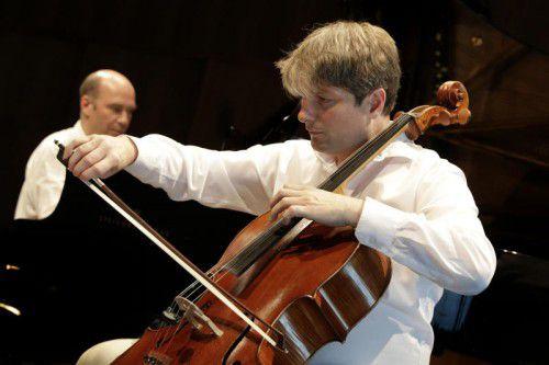 """Der französische Cellist Jérome Pernoo konnte seine Leistung vom """"Musik & Poesie""""-Abend noch toppen."""