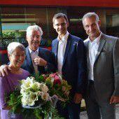 Blumenstrauß für Heinz Fischer zur Begrüßung