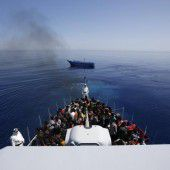 Zehntausende kommen über das Mittelmeer
