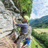 Gut gesichert auch durch die steilsten Felswände