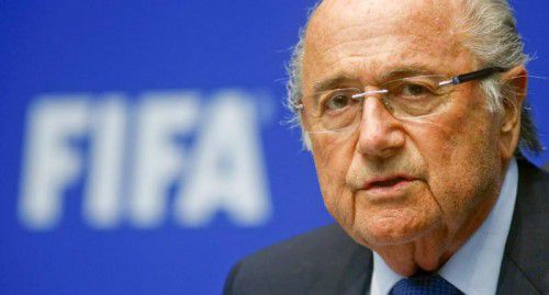 Noch-FIFA-Boss Sepp Blatter geht zum Angriff über. Foto: reuters