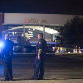 Mann erschießt zwei Menschen in US-Kino
