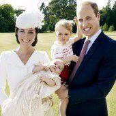 Britisches Königshaus präsentiert Taufbilder
