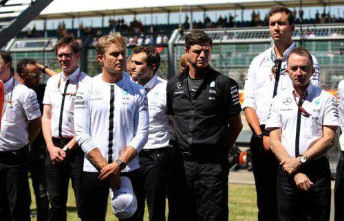 Team Mercedes gedachte der Opfer des Terror-Anschlags in Tunesien. Foto: reuters