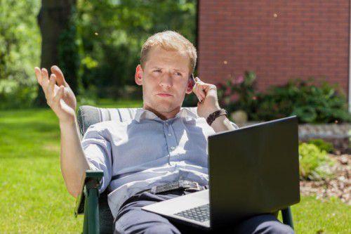 Viele Mitarbeiter sind von sich aus interessiert, auch im Urlaub geschäftlich auf dem Laufenden zu bleiben.