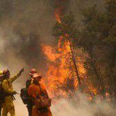 Tausende flüchten vor Flammen in Kalifornien