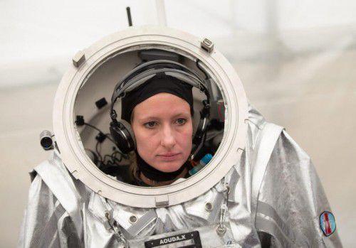 Der Raumanzug, den die Wissenschafterin Carmen Köhler während der simulierten Mars-Mission in der Wüste trug, wog 50 Kilo. epa