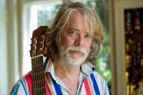 Das schrille Auftreten darf nicht darüber hinwegtäuschen, welch Ausnahmemusiker Helge Schneider ist.