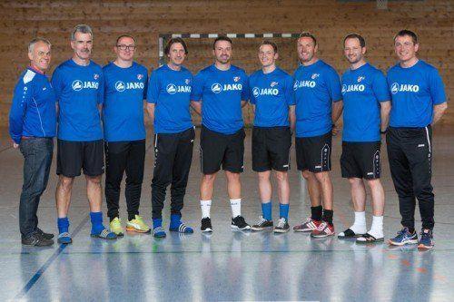 Die Akademie-Trainer v. l.: Robert Pockenauer, Dieter Alge, Klaus Nussbaumer, Helmut Hafner, Martin Schneider, Iskender Iscakar und Sportdirektor Andreas Kopf.