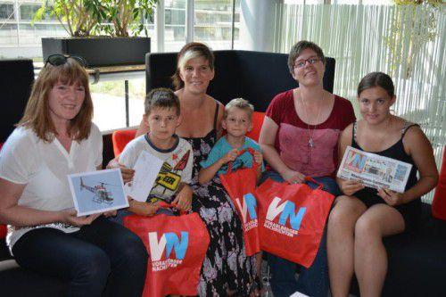 Die glücklichen Gewinner bei der Preisübergabe im Vorarlberger Medienhaus in Schwarzach.