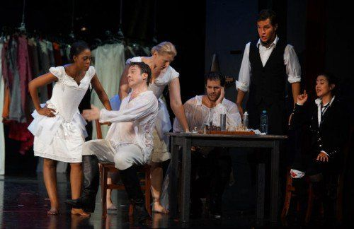 """Die Premiere von Mozarts """"Così fan tutte"""" im Kornmarkttheater endete mit großem Beifall und Bravos. Mit dem Werk haben die Bregenzer Festspiele ihr Opernstudio eröffnet."""