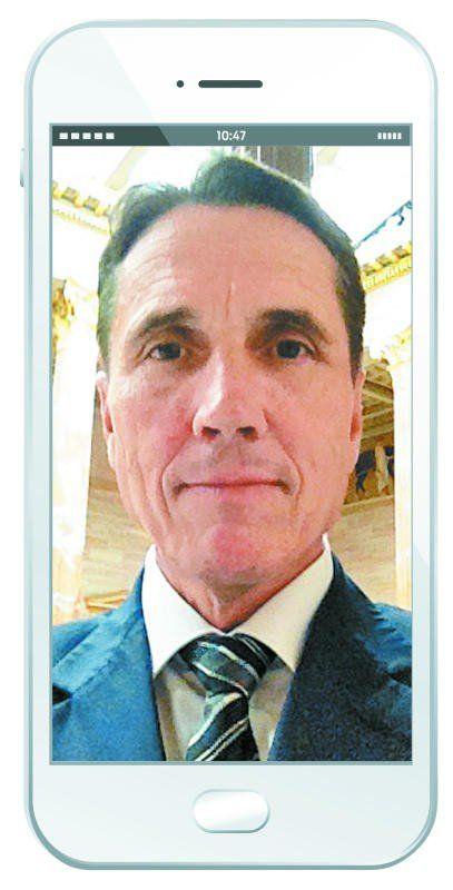 Dieses Foto für die VN sei das erste Selfie gewesen, das er jemals gemacht habe, erzählt Bösch.