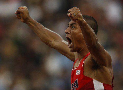Eaton lag bei seinem Start-Ziel-Sieg sagenhafte 350 Punkte vor dem zweitplatzierten Kanadier Damian Warner – der Lohn: eine neuer Weltrekord.