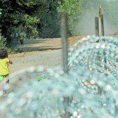 Messerscharfer Draht gegen Migrantenstrom