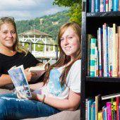 Die Bregenzer Seepromenade wird zum Lesewohnzimmer