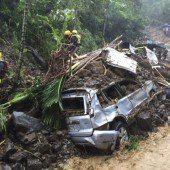 Taifun zieht Spur der Verwüstung