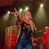 Bewegende Show von Anastacia