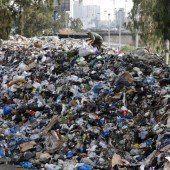 Beirut versinkt im Müll