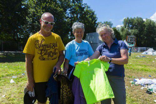 Herbert und Heidi Rauchegger sowie Andrea Tschabrun (M.) sind auf dem Campinggelände fündig geworden.