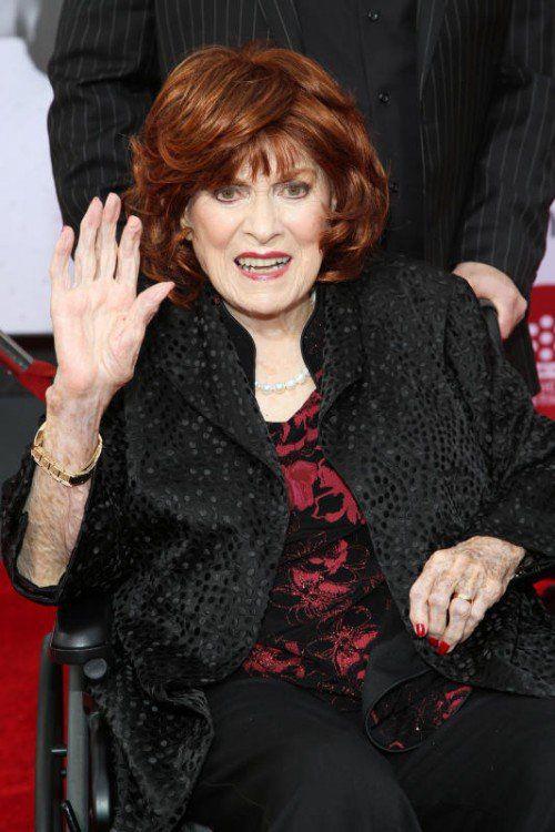 Maureen O'Hara trägt immer noch feuerrote Haare – seit jeher ihr Markenzeichen.